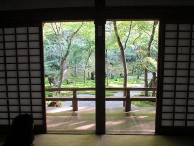 光明禅寺で休憩中