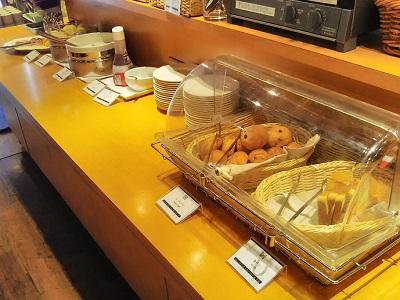 チサンホテル広島の朝食のパン