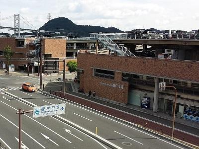 唐戸市場の駐車場