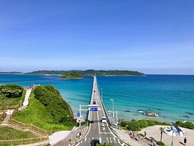 角島大橋を展望台よりも高台から撮影