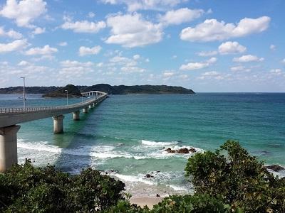 角島大橋と海