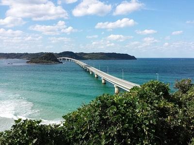 角島大橋の展望台からの海