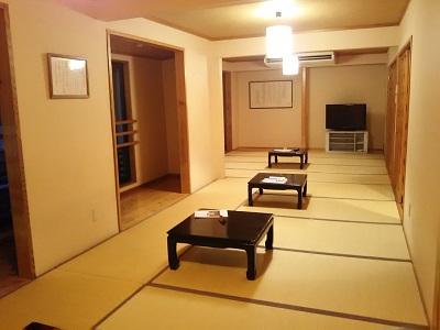 博多湯の大広間が無料休憩所