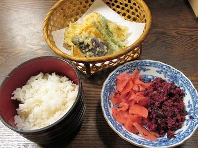 祇園円山かがり火の湯豆腐コースの天ぷら・ごはん・香の物