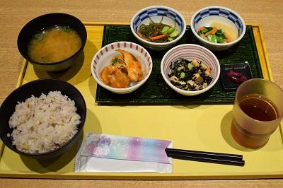 京菜味のむらの朝食おばんざいセット旦那の注文