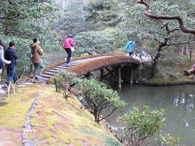 桂離宮の参観は池に注意