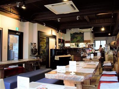 茶寮白梅の店内